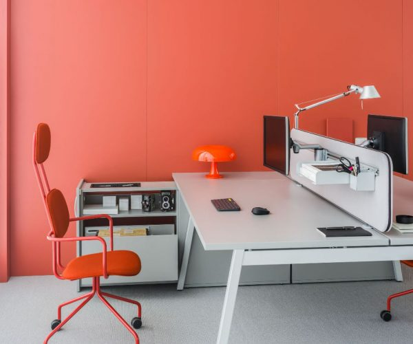 workstation-desk-ogi_m-mdd-2_1